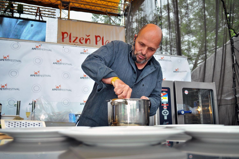 Kuchařská reality show přímo na pódiu  na Apetit Festivalu v Pardubicích